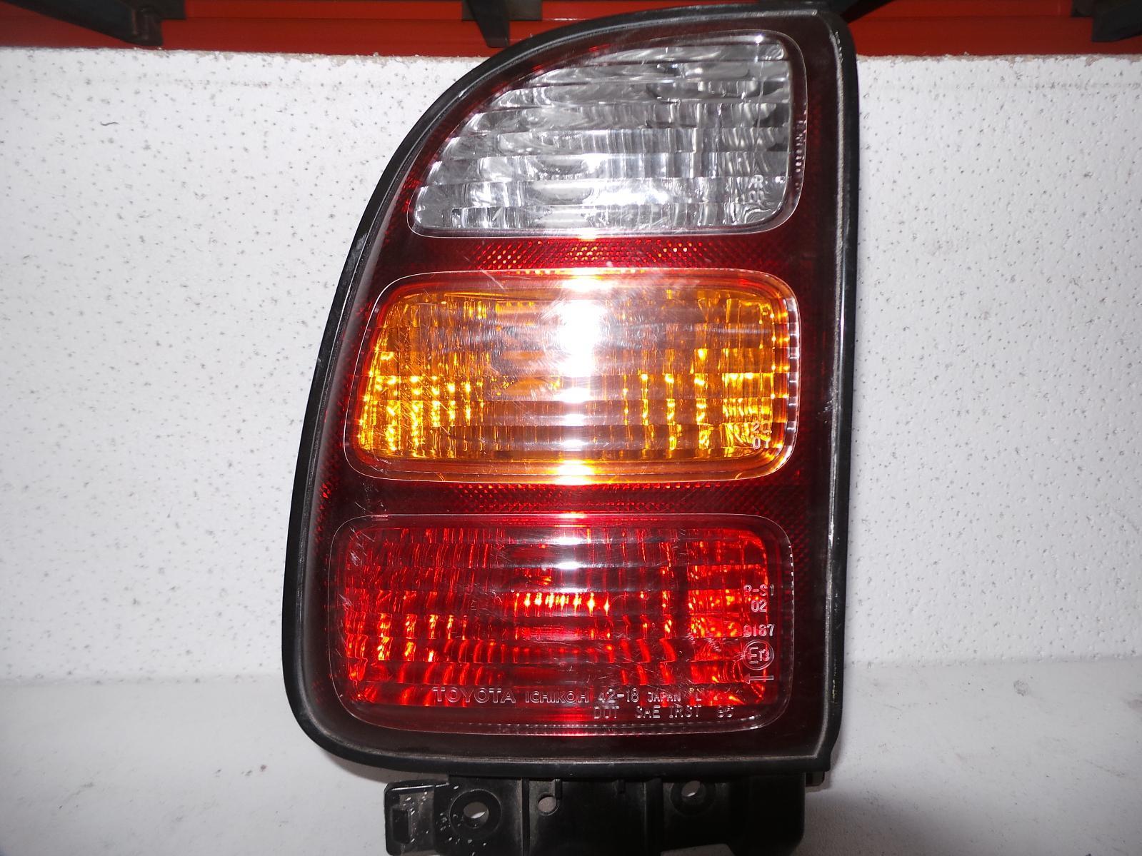 TOYOTA RAV4, Left Taillight, SXA1#R, LENS 42-18, 10/97-06/00