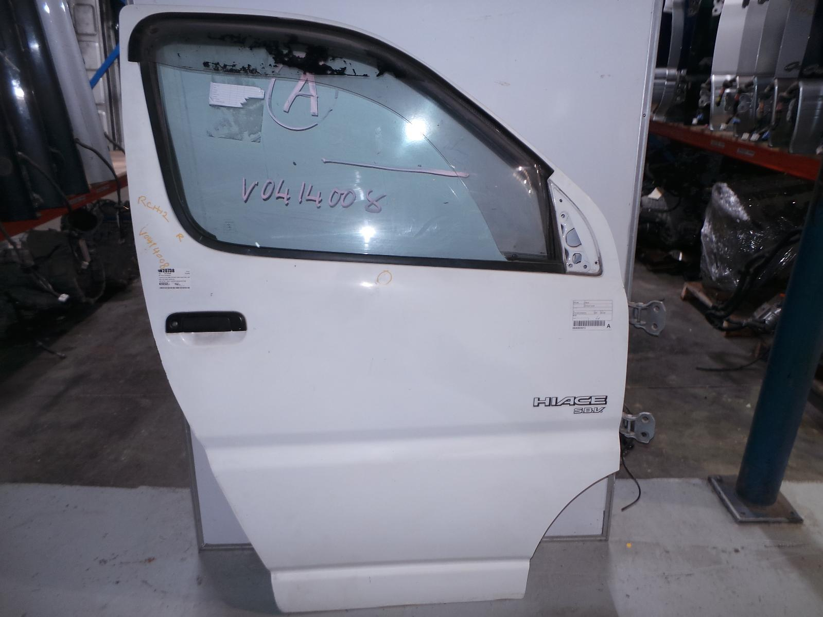 TOYOTA HIACE, Right Front Door, SBV, 10/95-02/04