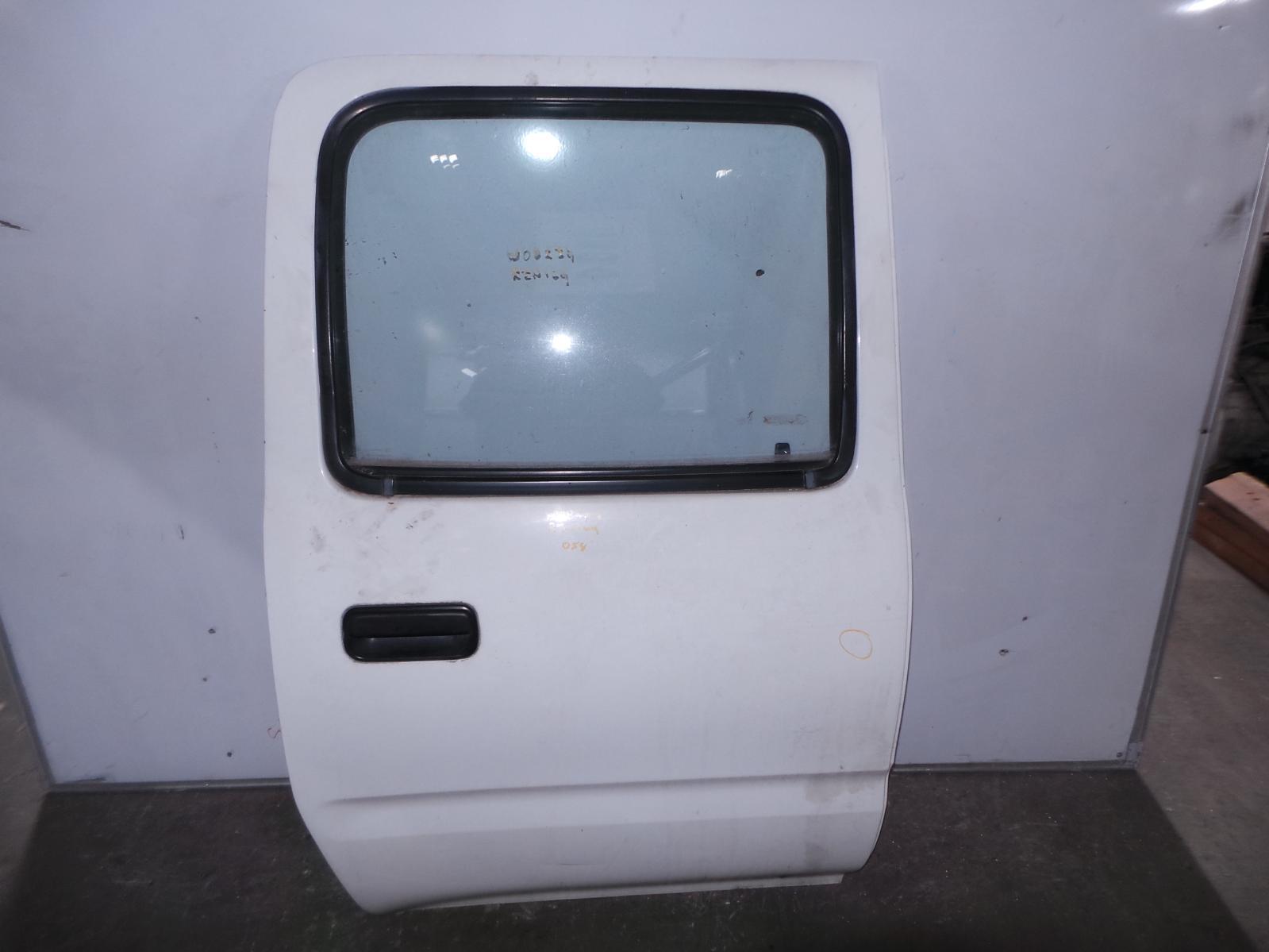 TOYOTA HILUX, [RIGHT_REAR_DOOR_SLIDING], DUAL CAB, 09/97-03/05