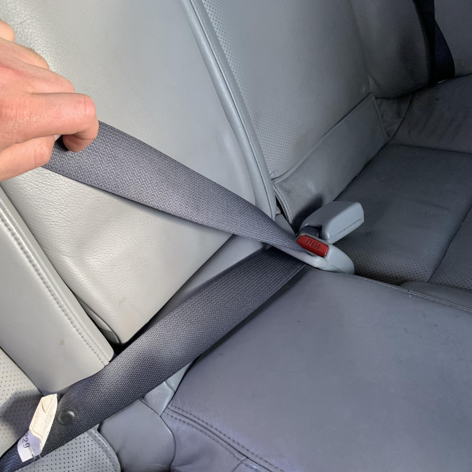 LEXUS IS250/IS250C, Seatbelt/Stalk, CENTRE REAR, SEAT BELT STALK ONLY, BLACK, SEDAN, GSE20R, 11/05-09/08
