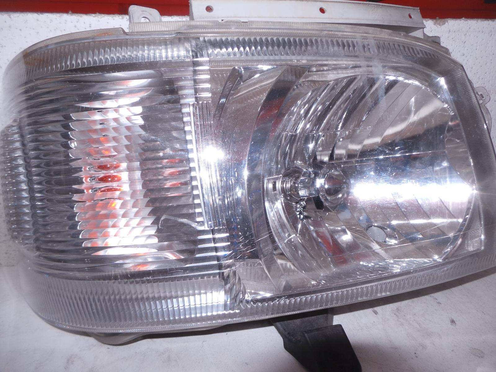 TOYOTA HIACE, Right Headlamp, TRH/KDH, LWB/SWB, LENS# 26-118, 03/05-08/10