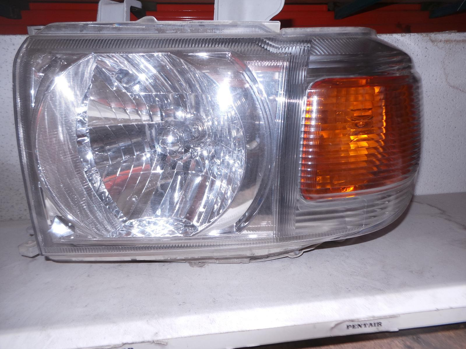 TOYOTA LANDCRUISER, Left Headlamp, 76/78/79 SERIES (UPDATE), HALOGEN TYPE, 03/07-
