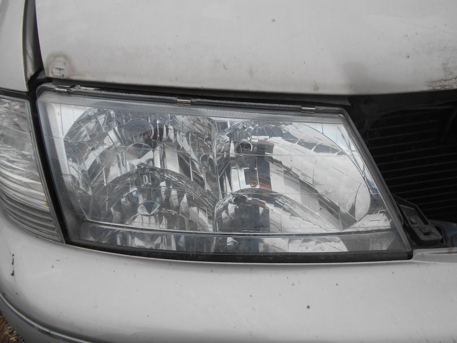 TOYOTA AVALON, Right Headlamp, MCX10R, HELLA LENS# 07-29, 07/00-09/03