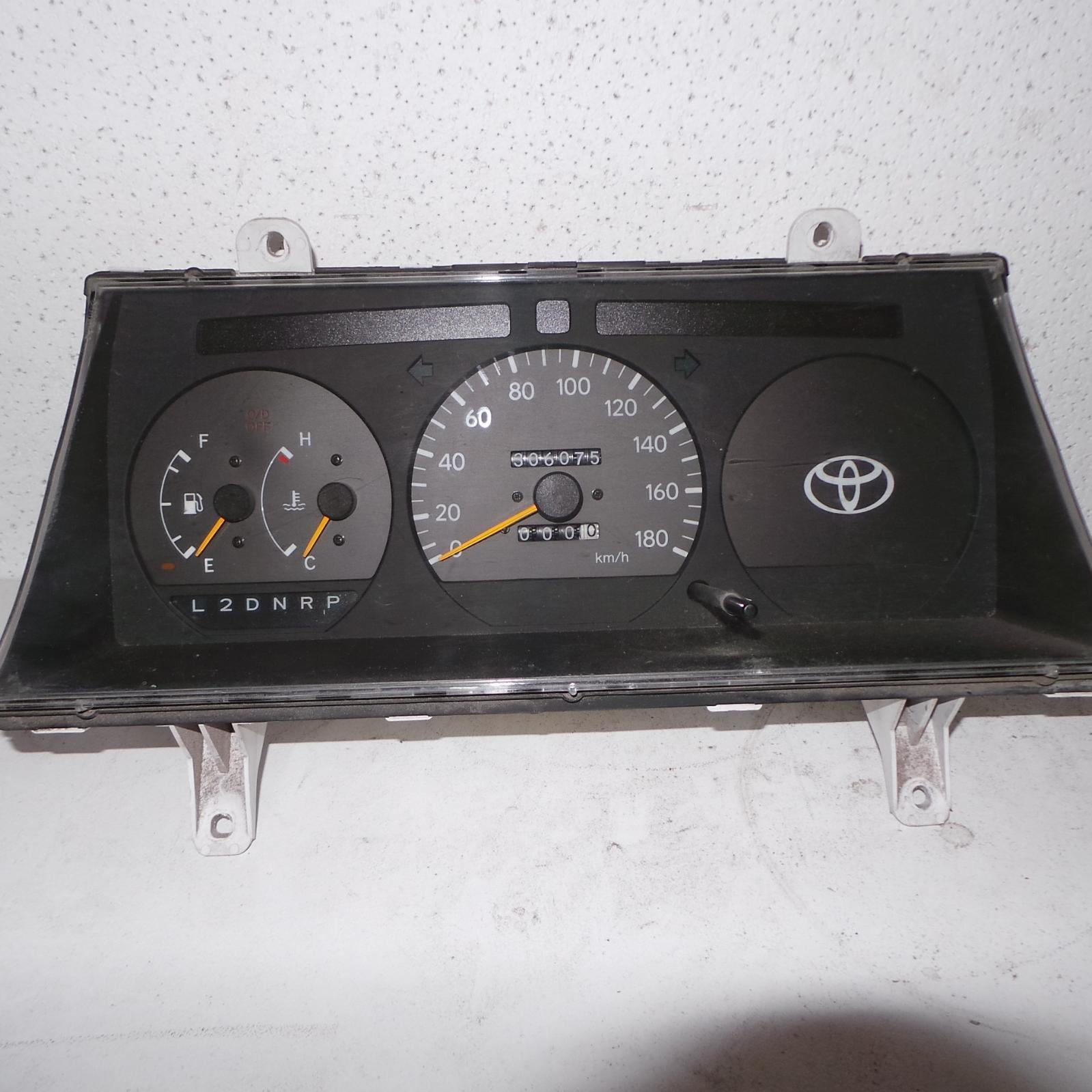 TOYOTA HIACE, Instrument Cluster, PETROL, AUTO T/M, NON TACHO TYPE, LH/RZH10#, 09/98-12/04