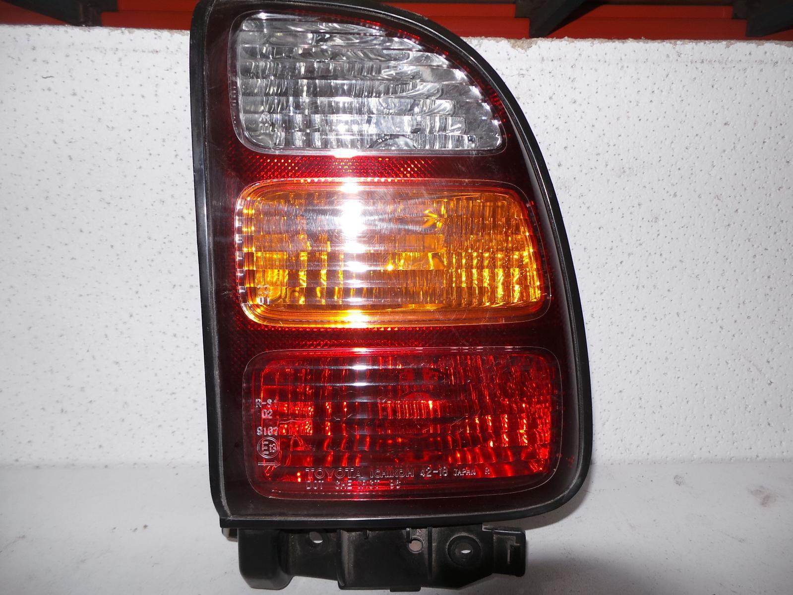TOYOTA RAV4, Right Taillight, SXA1#R, LENS 42-18, 10/97-06/00