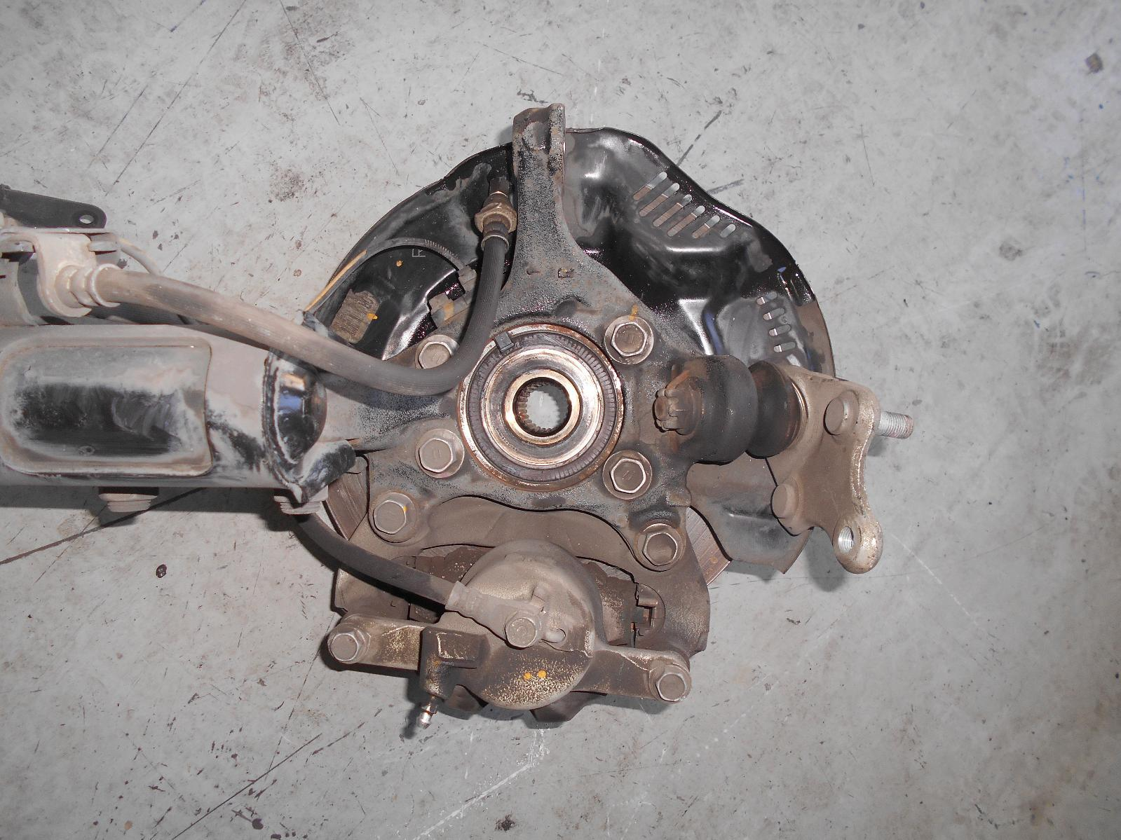 TOYOTA COROLLA, Left Front Hub Assembly, ZRE182R, BOLT ON BEARING CARRIER TYPE, 10/12-