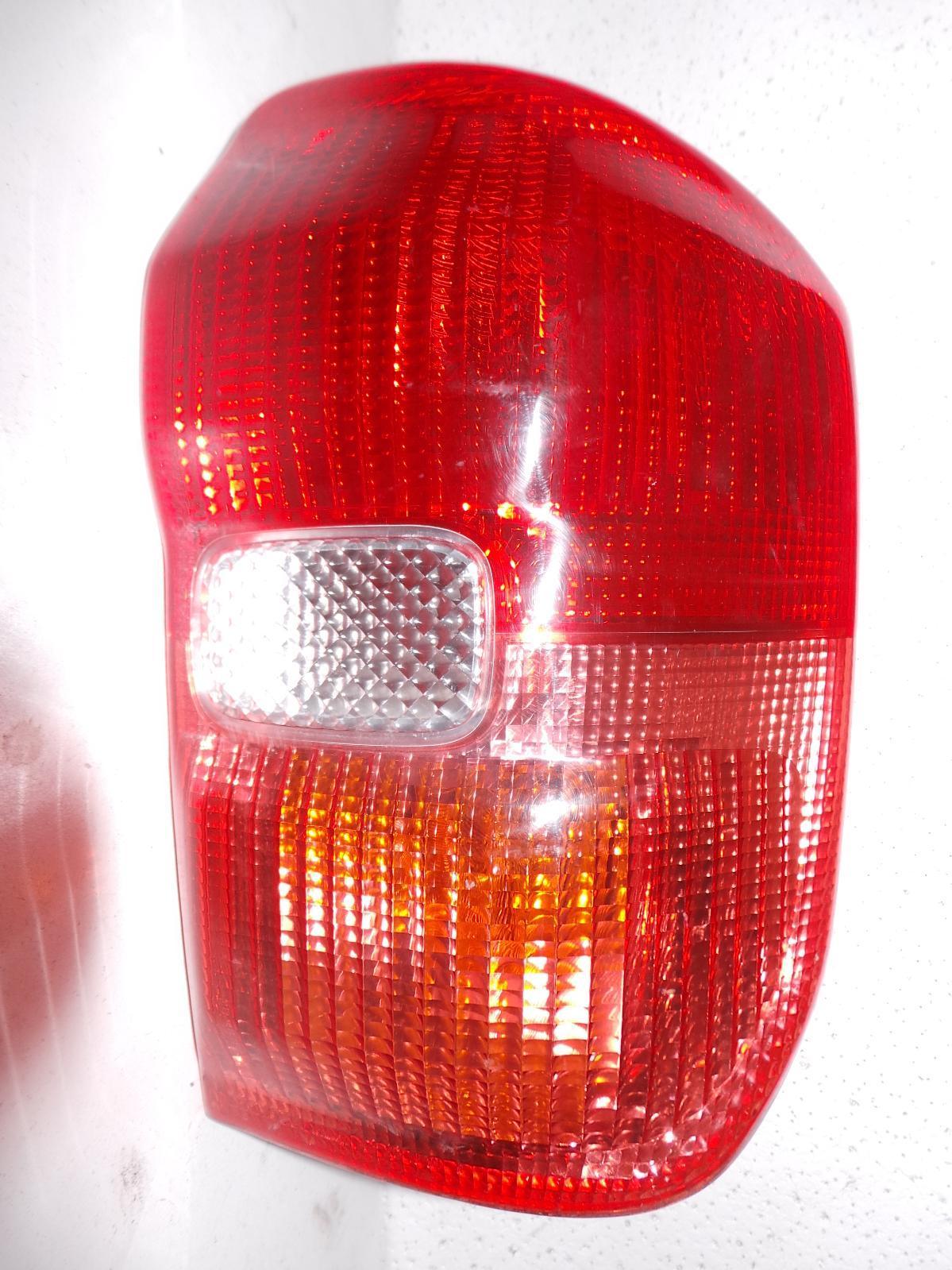 TOYOTA RAV4, Right Taillight, ACA2#R, LENS # 42-26, 07/00-07/03