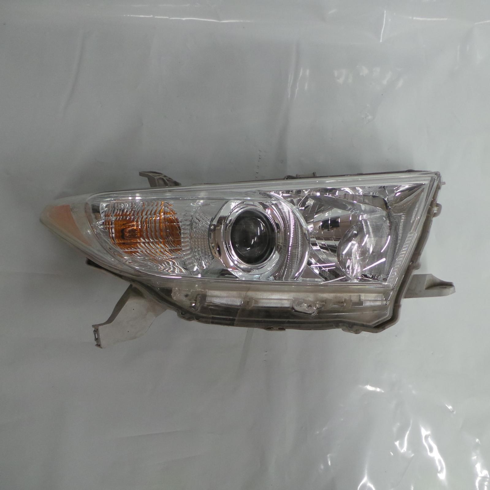 TOYOTA KLUGER, Right Headlamp, GSU40-GSU45, 10/10-02/14