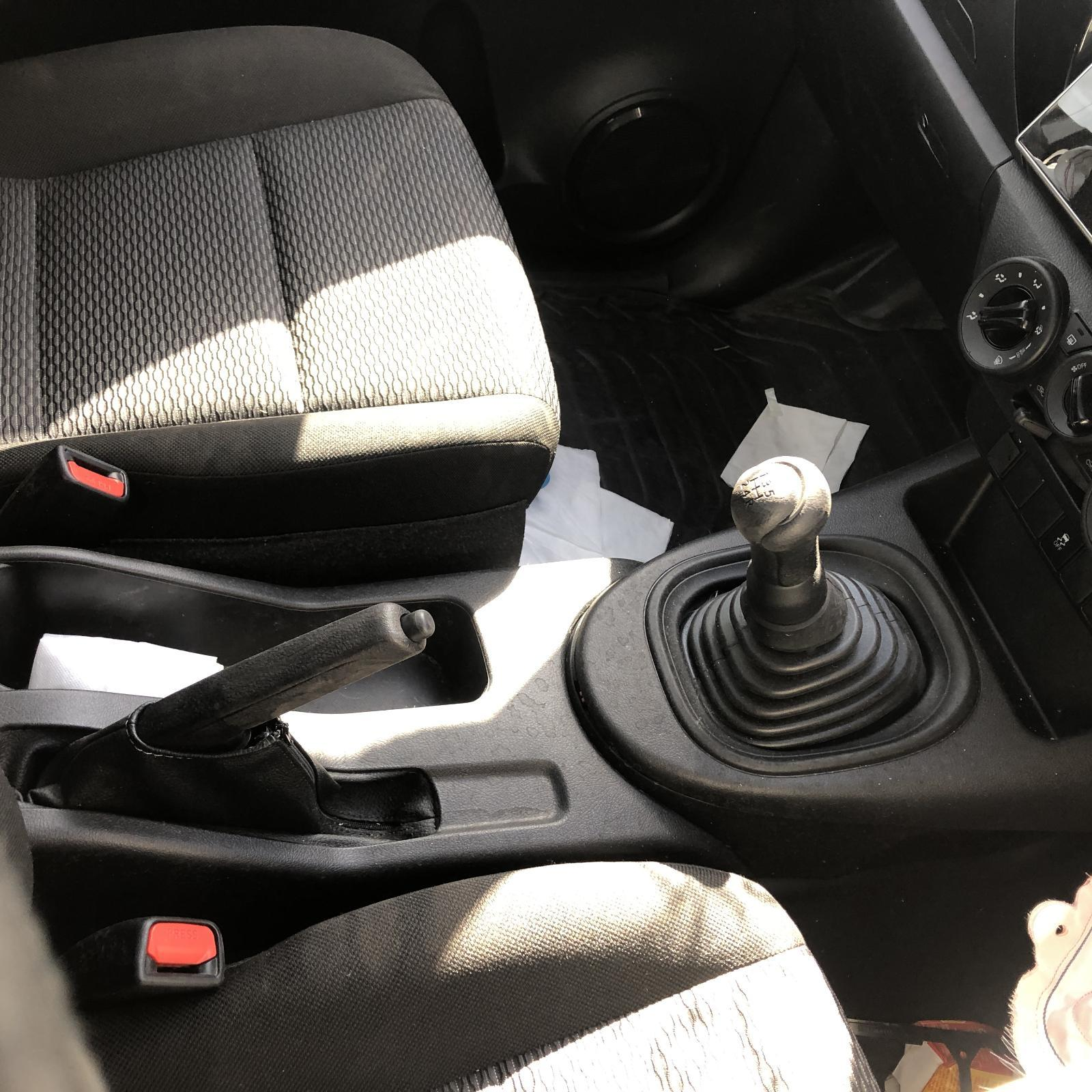 TOYOTA HILUX, Console, MANUAL T/M TYPE, 2WD, 09/15-