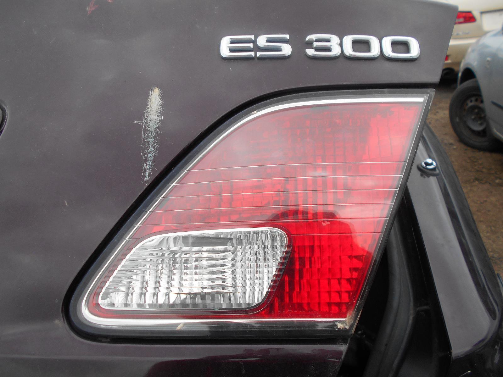 LEXUS ES300 (92-05), Rear Garnish, BOOTLID LAMP (RH SIDE), VCV10, 10/01-12/05
