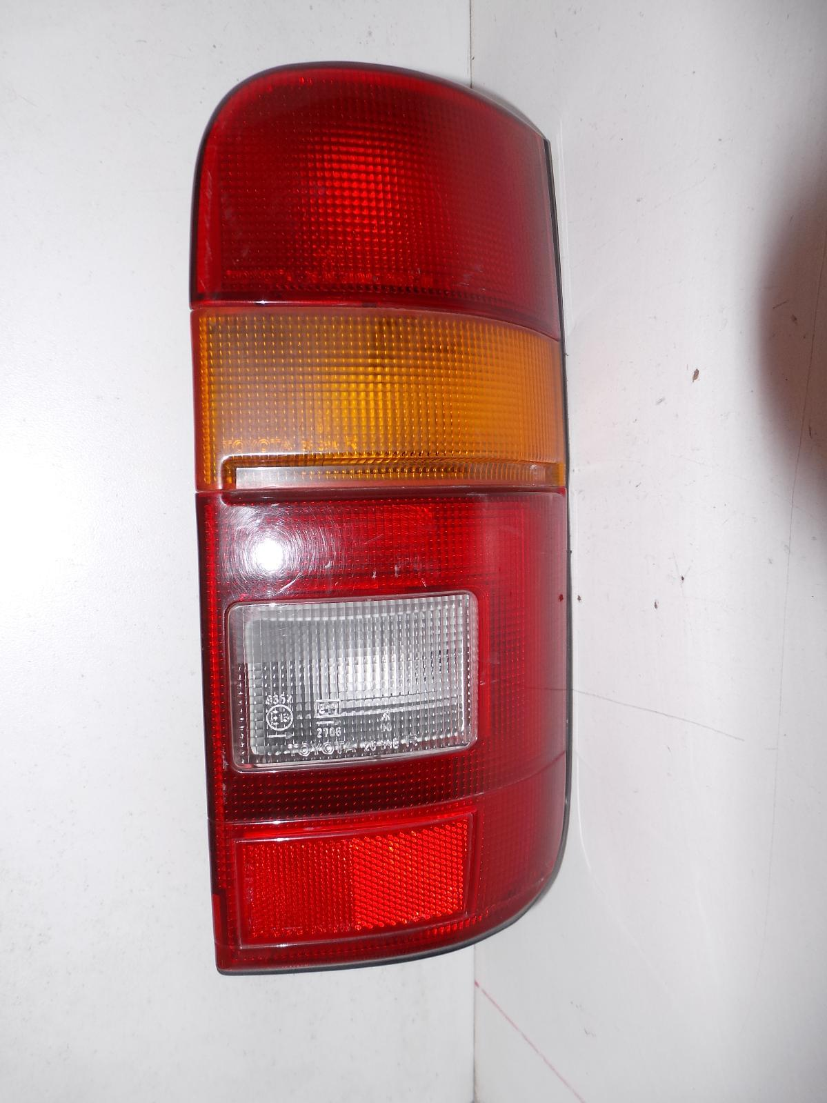 TOYOTA HIACE, Right Taillight, RZH10#, 11/89-12/04