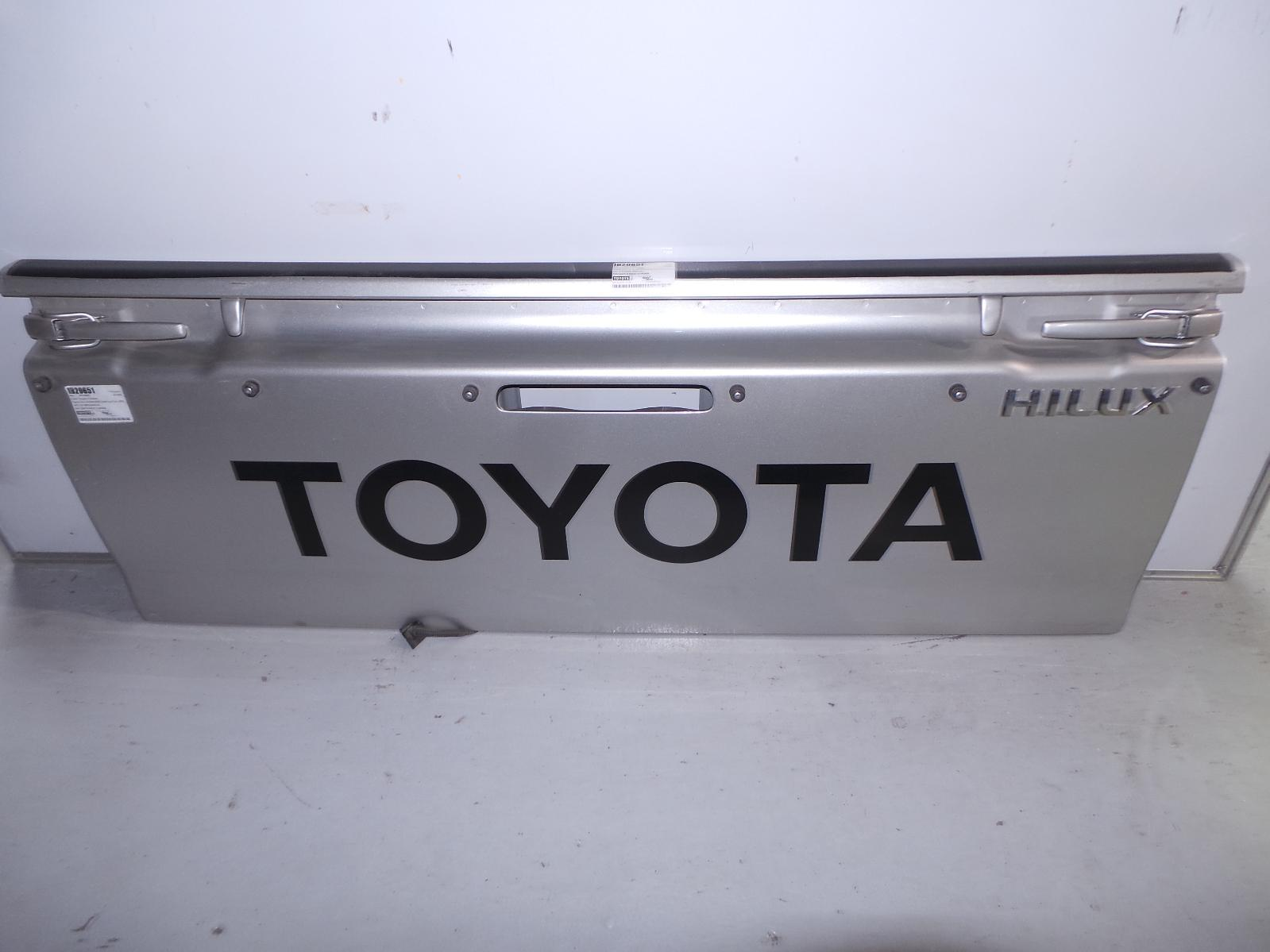 TOYOTA HILUX, Bootlid/Tailgate, TAILGATE, CENTRE HANDLE TYPE, W TONNEAU HOOKS & LAMP HOLE TYPE, 03/05-08/15