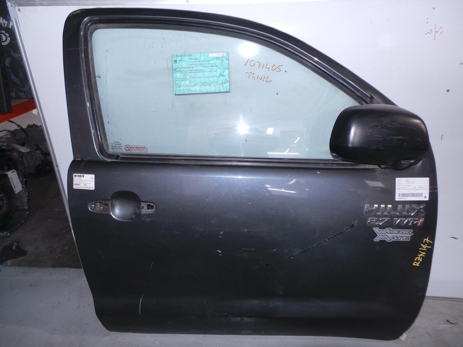 TOYOTA HILUX, Right Front Door, SINGLE/EXTRA CAB, 03/05-08/15