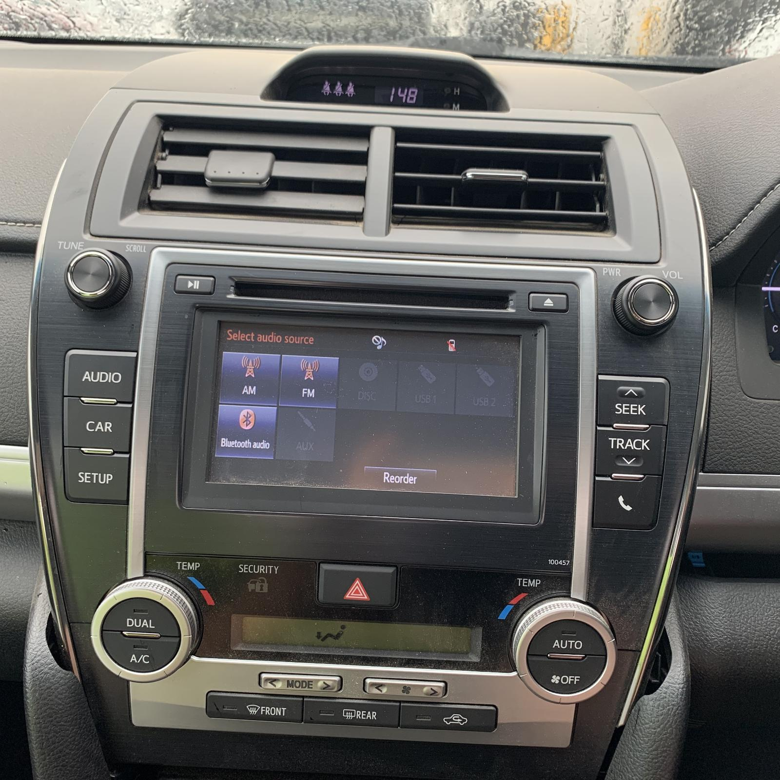 TOYOTA CAMRY, Radio/Cd/Dvd/Sat/Tv, CD PLAYER, TOUCH SCREEN, P/N ON FACE 100457, ACV50, 05/15-10/17