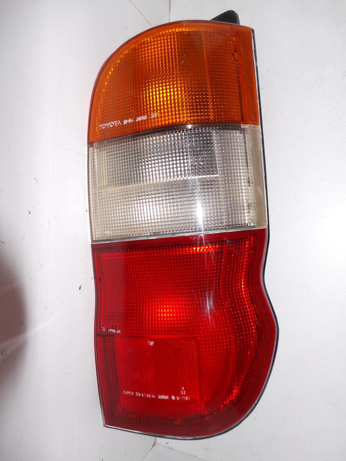 TOYOTA HIACE, Right Taillight, SBV, 10/95-02/04