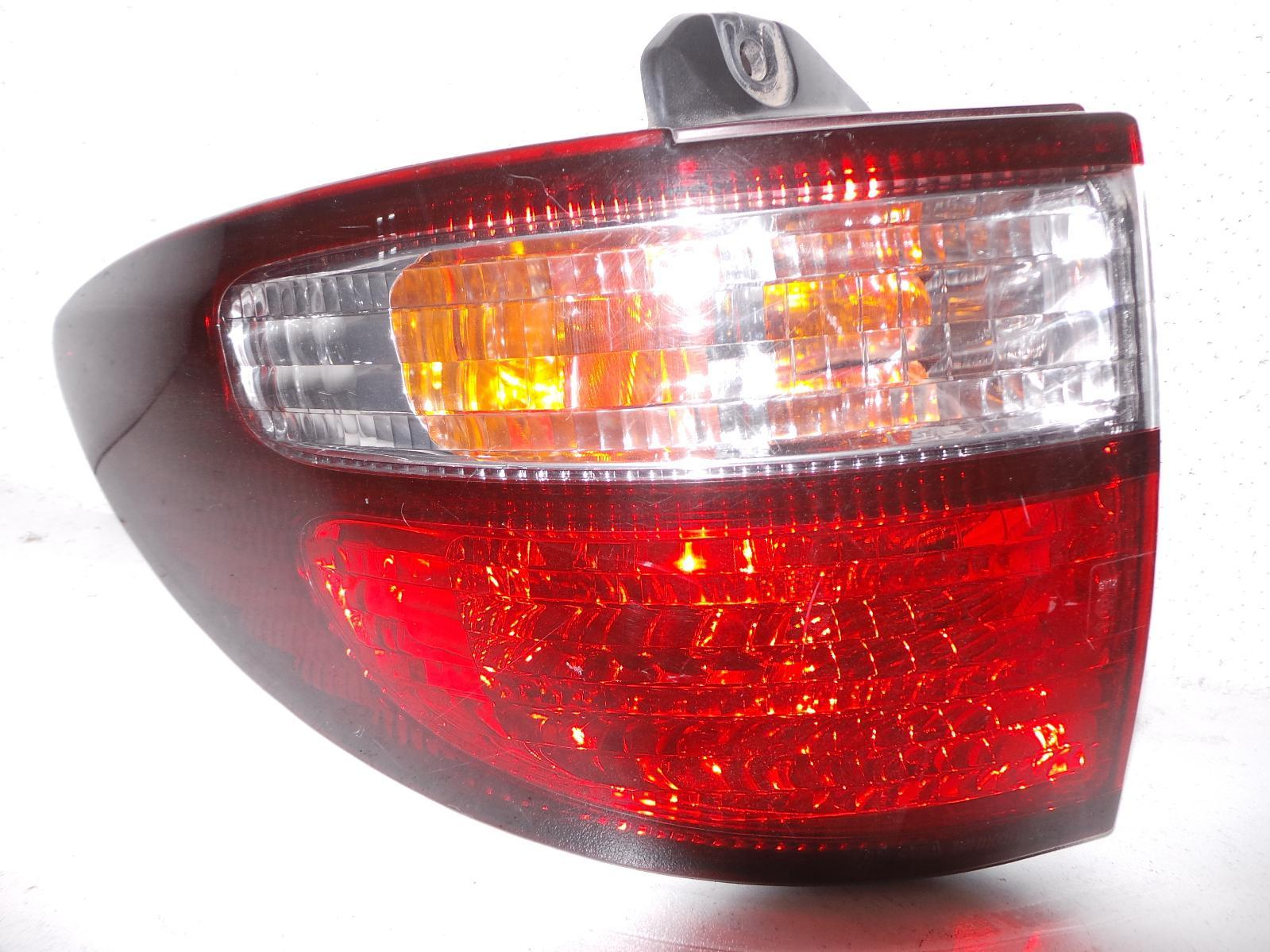 TOYOTA ESTIMA, Left Taillight, XR30/XR40 00-06