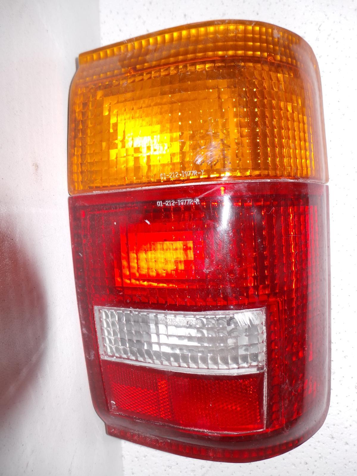 TOYOTA SURF, Right Taillight, N180, LENS# 35-62, 95-99