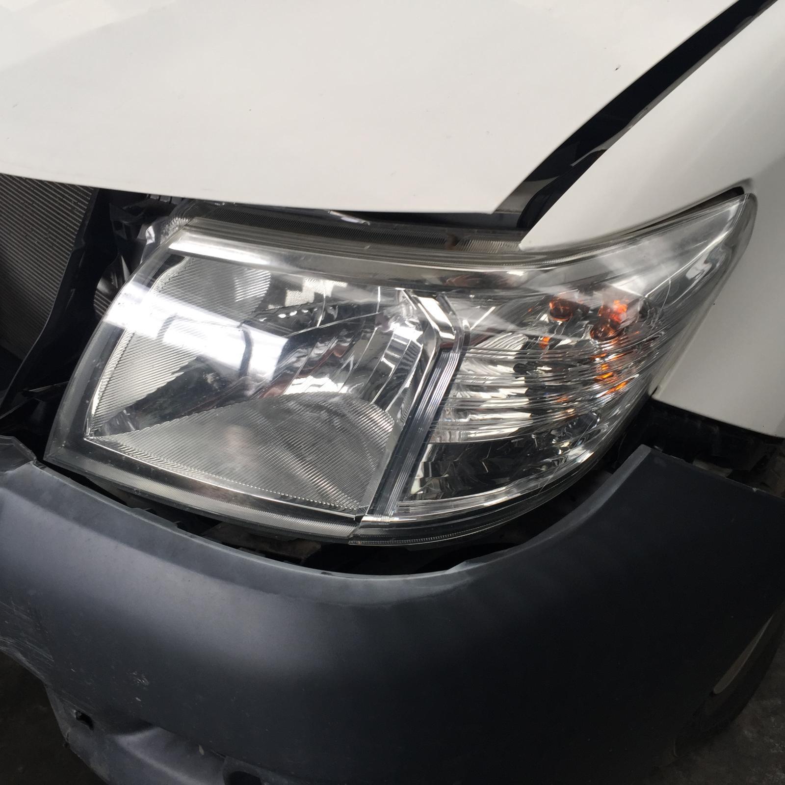TOYOTA HILUX, Left Headlamp, 07/11-08/15