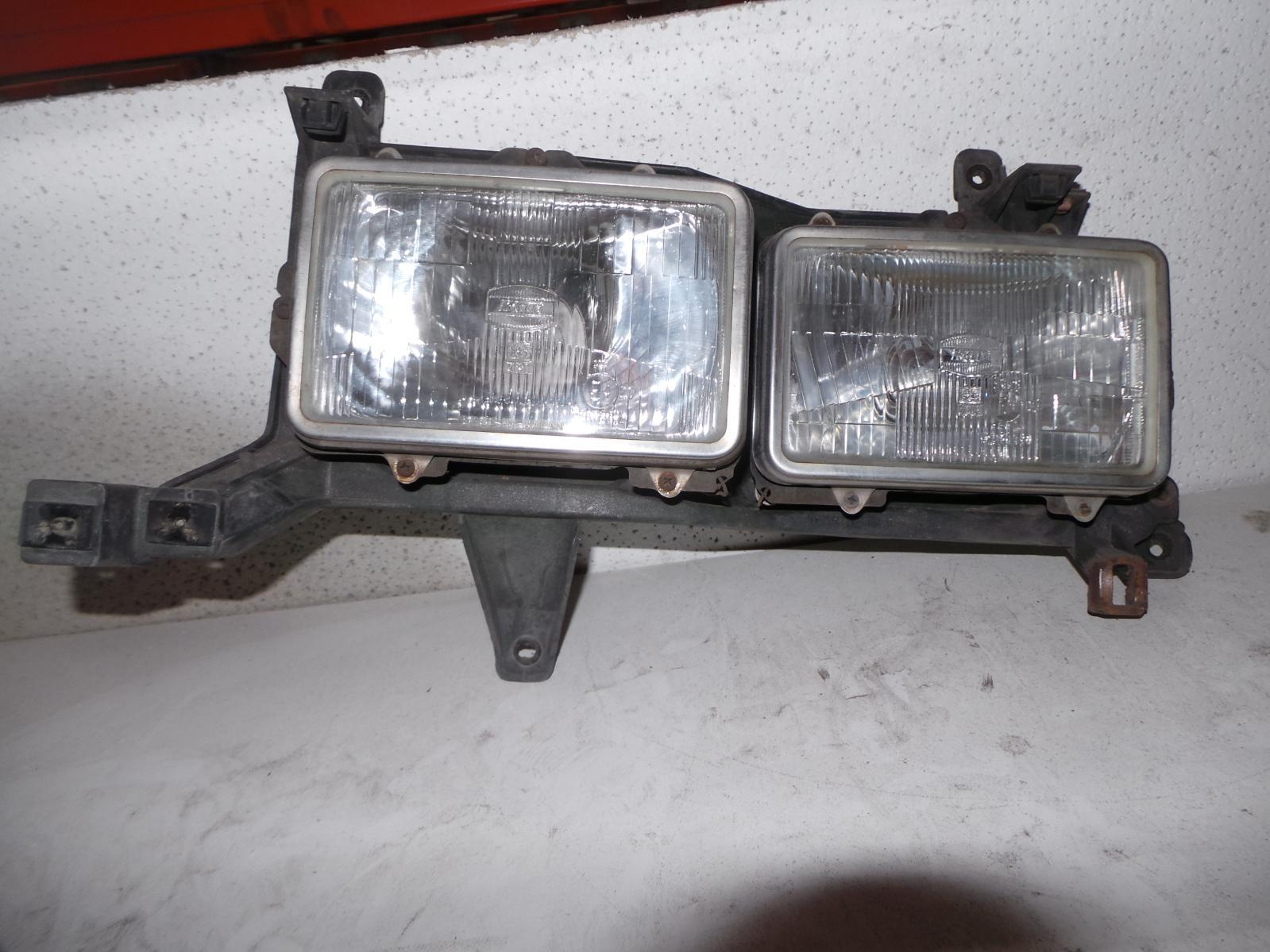 TOYOTA LANDCRUISER, Left Headlamp, 80 SERIES, GX/GXL, TWIN SQUARE, 05/90-03/98