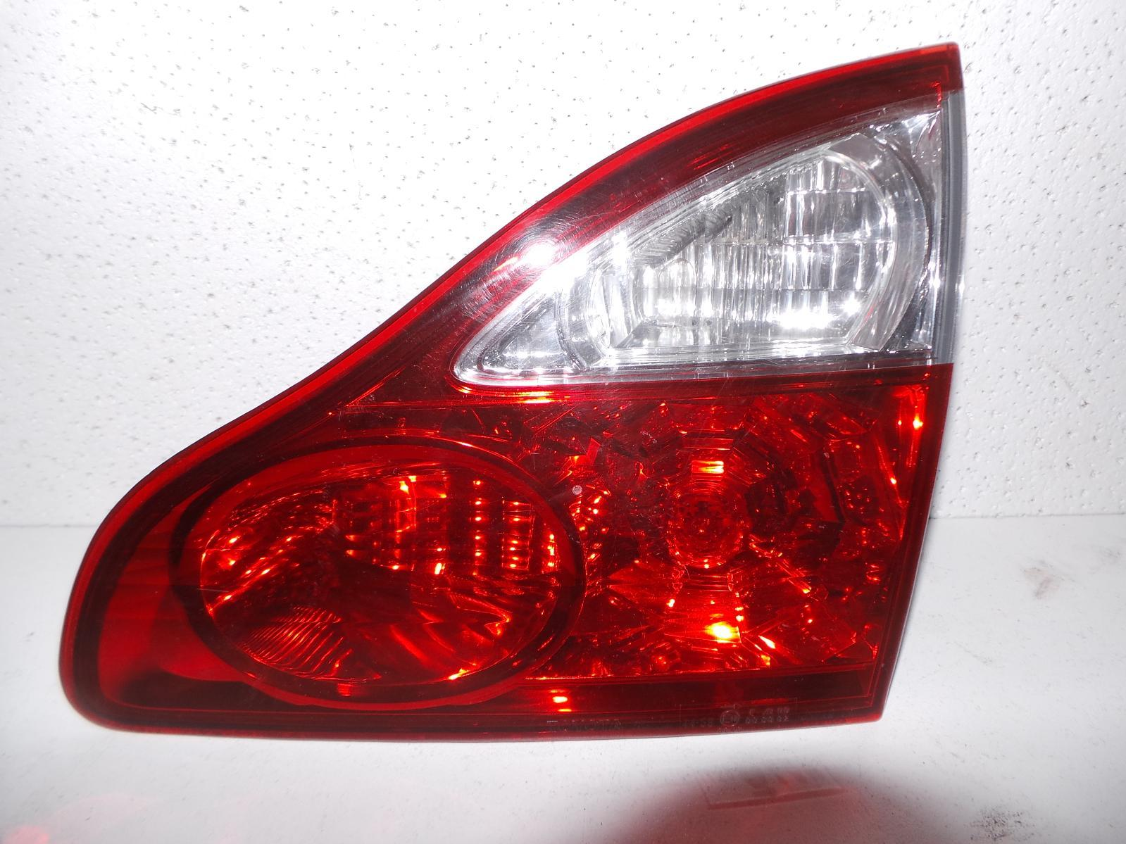 TOYOTA AVENSIS, Rear Garnish, TAILGATE LAMP (RH SIDE), ACM21R, 12/03-12/10
