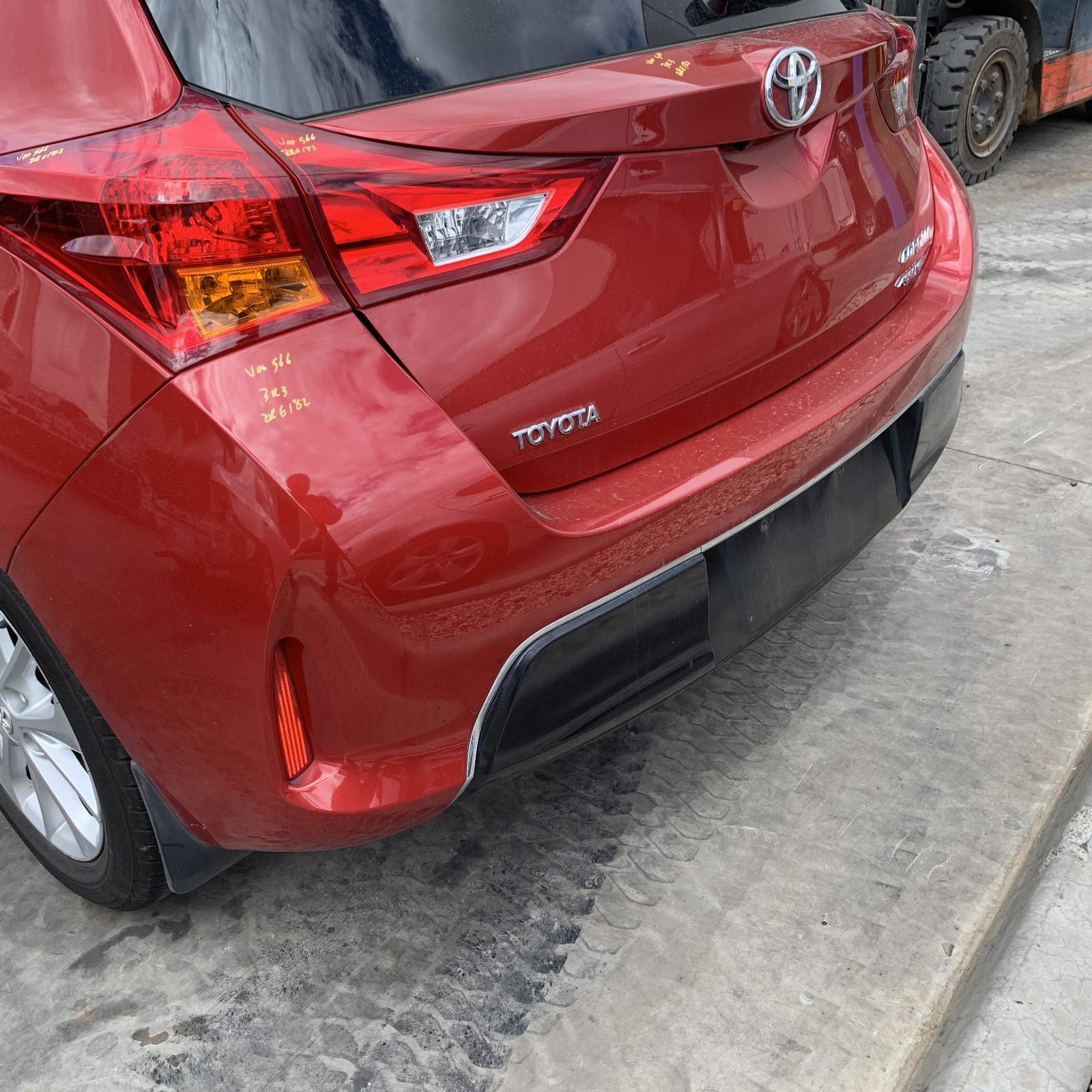 TOYOTA COROLLA, Rear Bumper, ZRE182R, HATCH, LEVIN SX/ZR/ASCENT SPORT, CHROME ON BLACKED OUT SECTION, 10/12-03/15