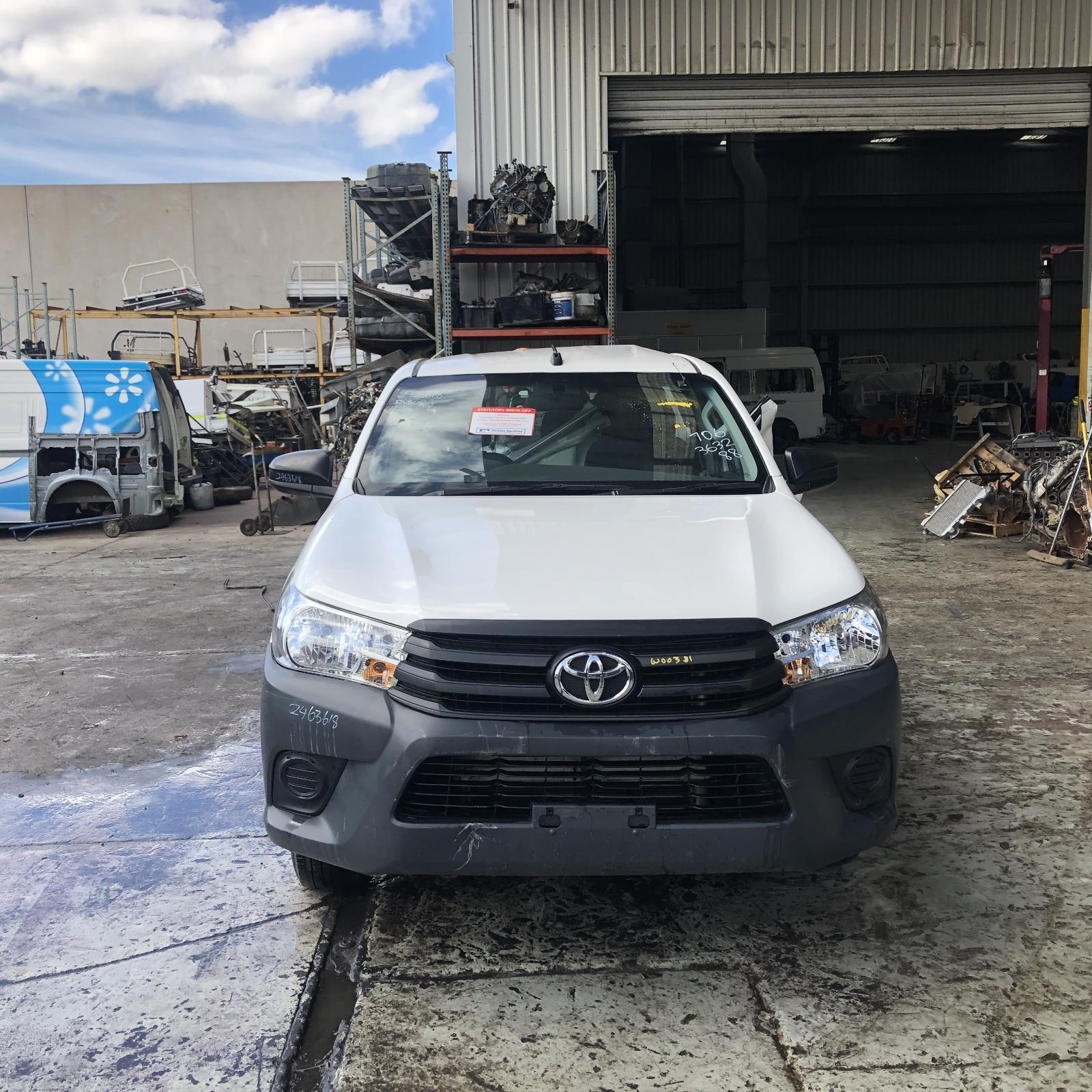 TOYOTA HILUX, Front Bumper, BUMPER BAR, SR/SR5, COLOUR CODED, 09/15-08/18