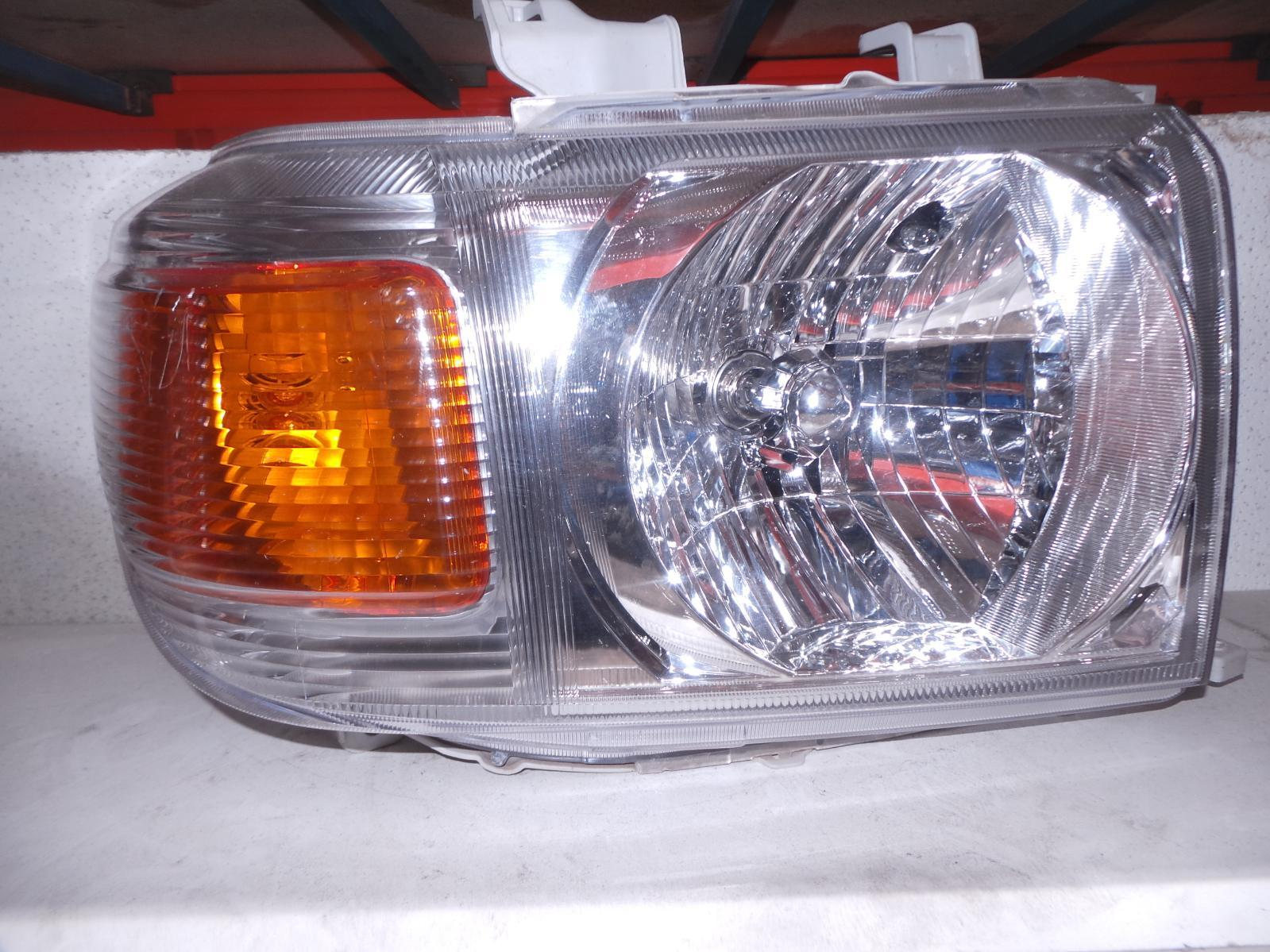 TOYOTA LANDCRUISER, Right Headlamp, 76/78/79 SERIES (UPDATE), HALOGEN TYPE, 03/07-